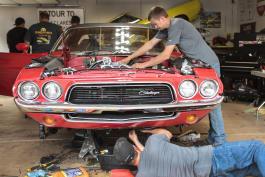 Garage Squad - The Challenger