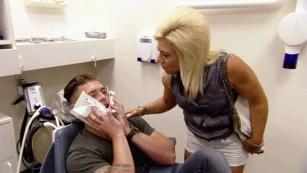 Long Island Medium - Wisdom Teeth