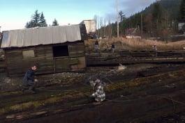 Alaskan Bush People - High Tide Housing