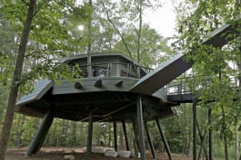 Treehouse Masters - Zac Brown's Space Crab