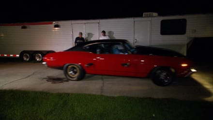 Street Outlaws: New Orleans - Burnouts in the Driveway