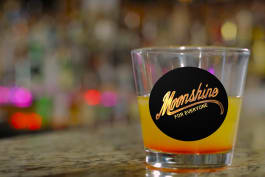 Moonshiners - New Year's Kiss