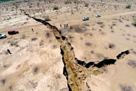 What on Earth? - Agriculture is Creating Giant Cracks Across Earth