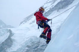 Everest Rescue - Life on the Line