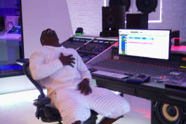 Tanked - Celebrity Scoop - Akon
