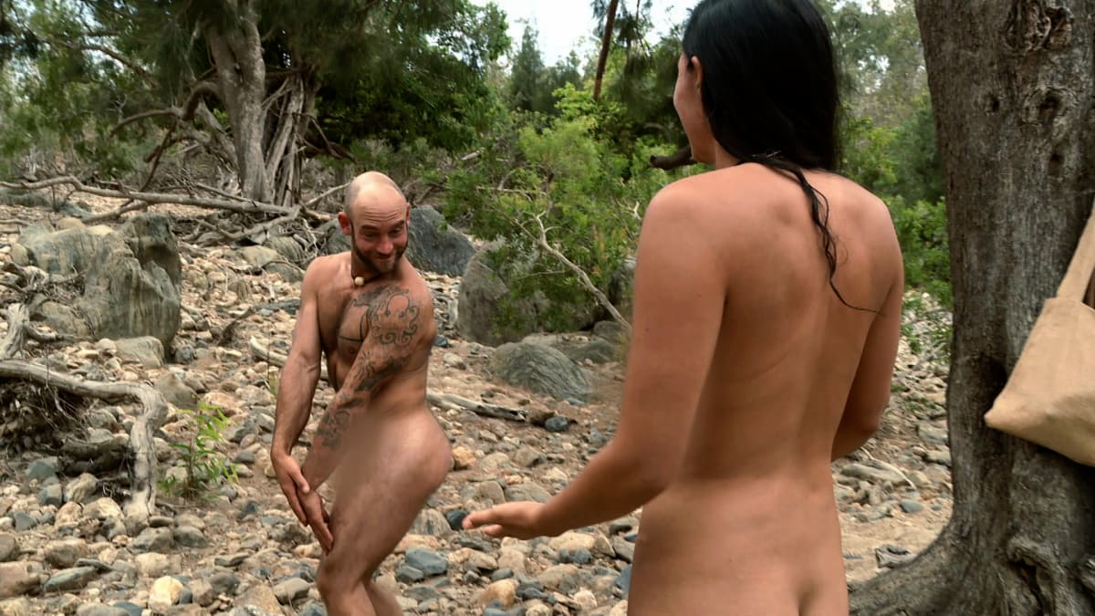 naked-girl-afraid-of-dicks