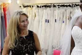 Say Yes to the Dress: UK - Mother Knows Best