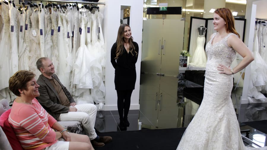 Say Yes to the Dress: UK - Sexy Versus Princess