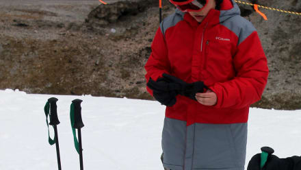 Kate Plus 8 - Kate Goes Skiing... Sort Of...