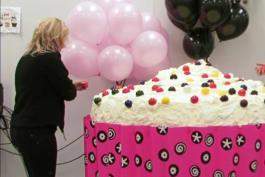 DC Cupcakes - One Ton Cupcake