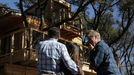 Treehouse Masters - City Sleeker Treehouse