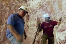 Dirty Jobs - Outback Treasure Hunter