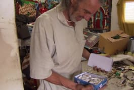 Hoarding: Buried Alive on TLC - The Stench is Amazing