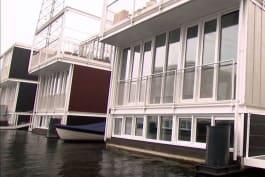 Build It Bigger - Amsterdam's Futuristic Floating City