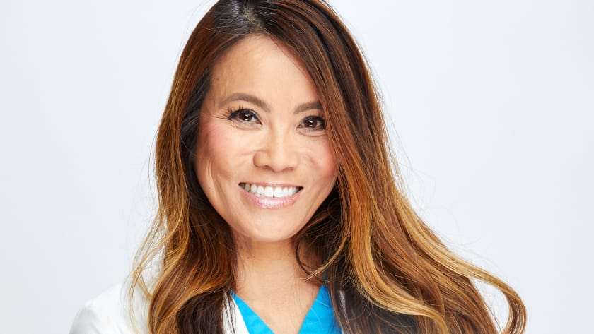 Dr Sandra Lee Dr Pimple Popper Cast Tlc