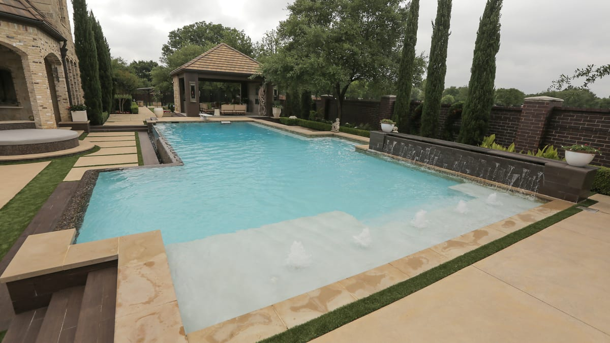 Backyard Getaway | Ultimate Pools