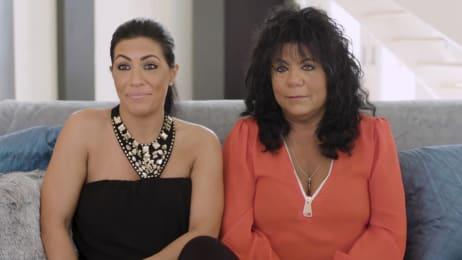 Meet Sandra & Mariah | sMOTHERED