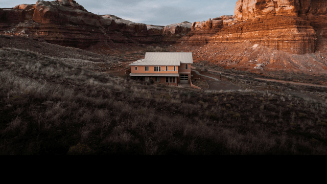 Building Off the Grid on Discovery on FREECABLE TV