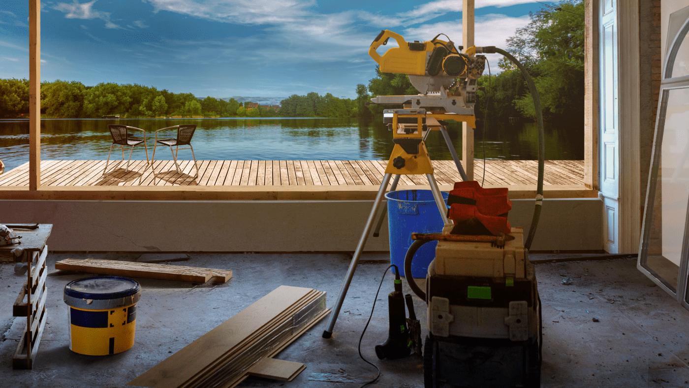 Lakefront Bargain Hunt Renovation on DIY Network